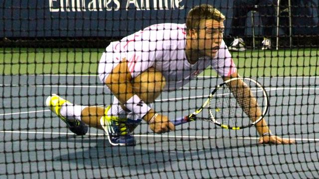 US glides into Davis Cup second round